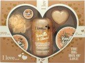 I Love... A Big Box Of Love Vanilla and Almond Geschenkset 500ml Schaumbad + 100ml Sugar Scrub + 100ml Body Butter + 10ml Lip Balm + 60g Seife + Schwamm